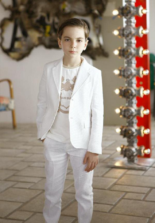 Quis Quis Spring Summer 2014 elengat boy white suit
