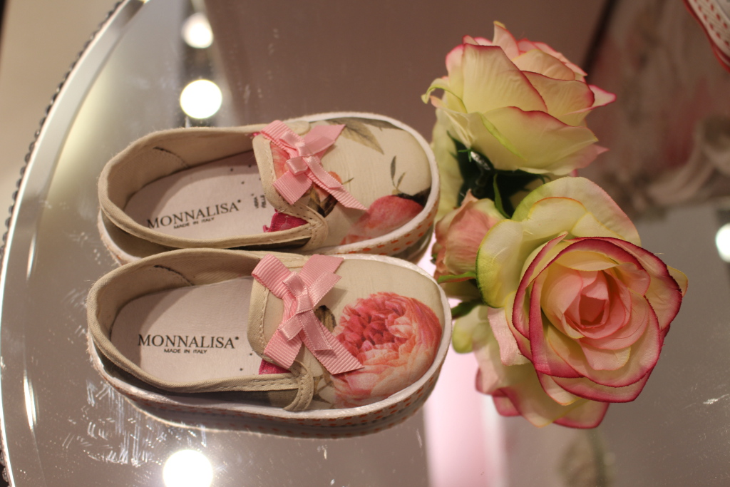 Monnalisa spring 2014, shoes with roses