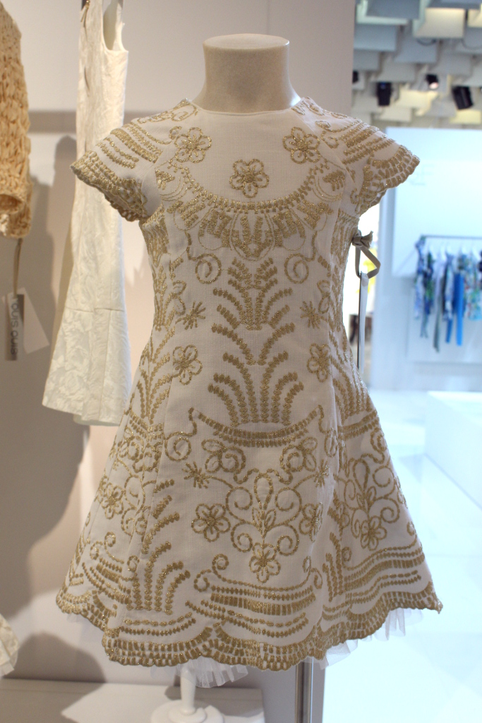 Quis Quis Spring Summer 2015. White dress embroidered with  gold