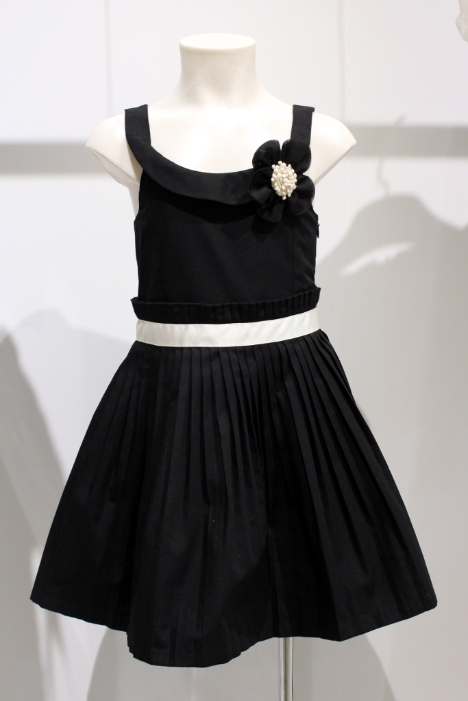 Quis Quis Spring Summer 2015. Black dress