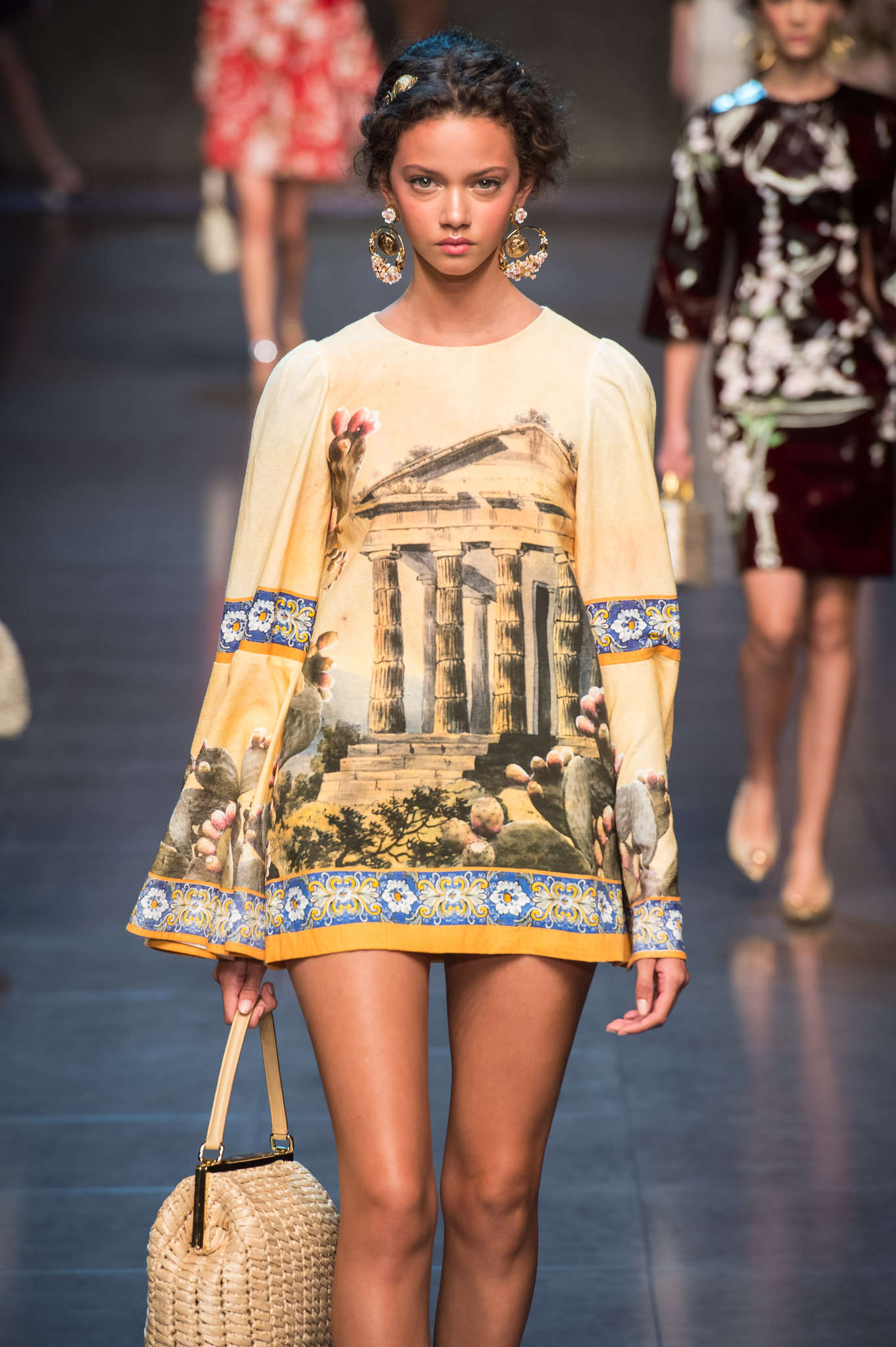 Dolce and Gabbana Spring 2014, silk yellow short dress