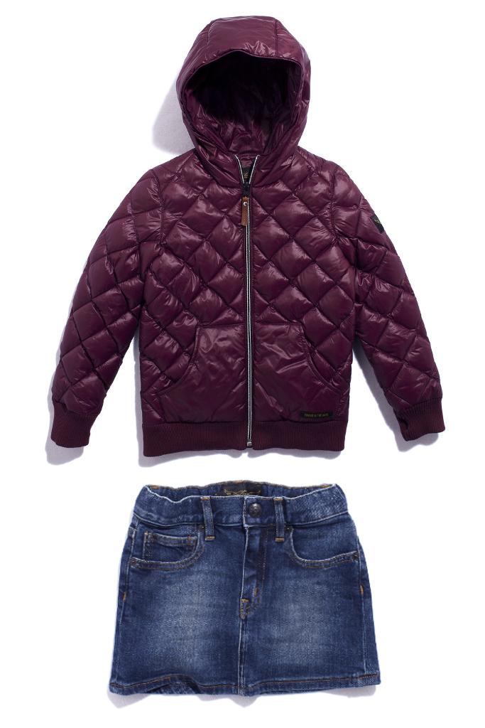 Finger in the nose winter 2014, burgundy hoodie and denim skirt