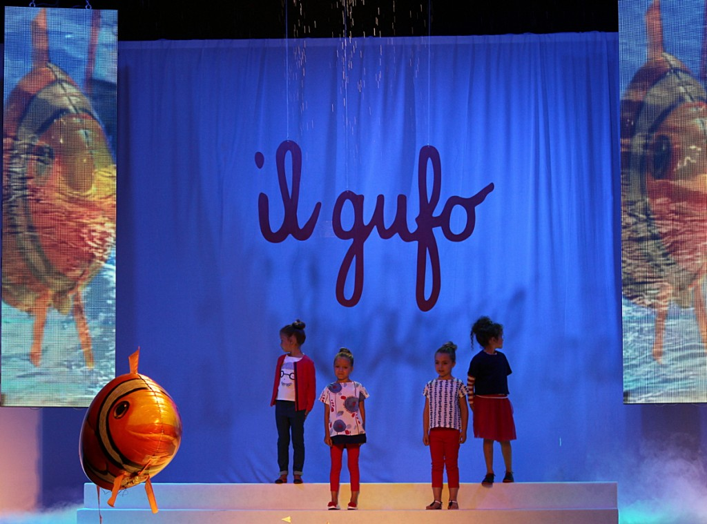 Pitti Bimbo 79 Il Gufo fashion show with a giant goldfish