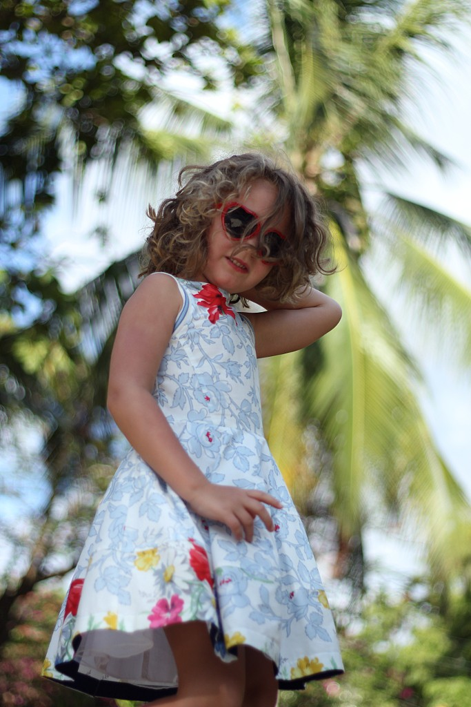 Simonetta spring 2015 girl dress with sky blue flowers
