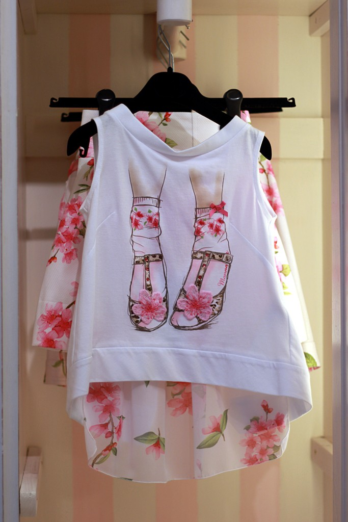 monnalisa t-shirt with flowers shoes print