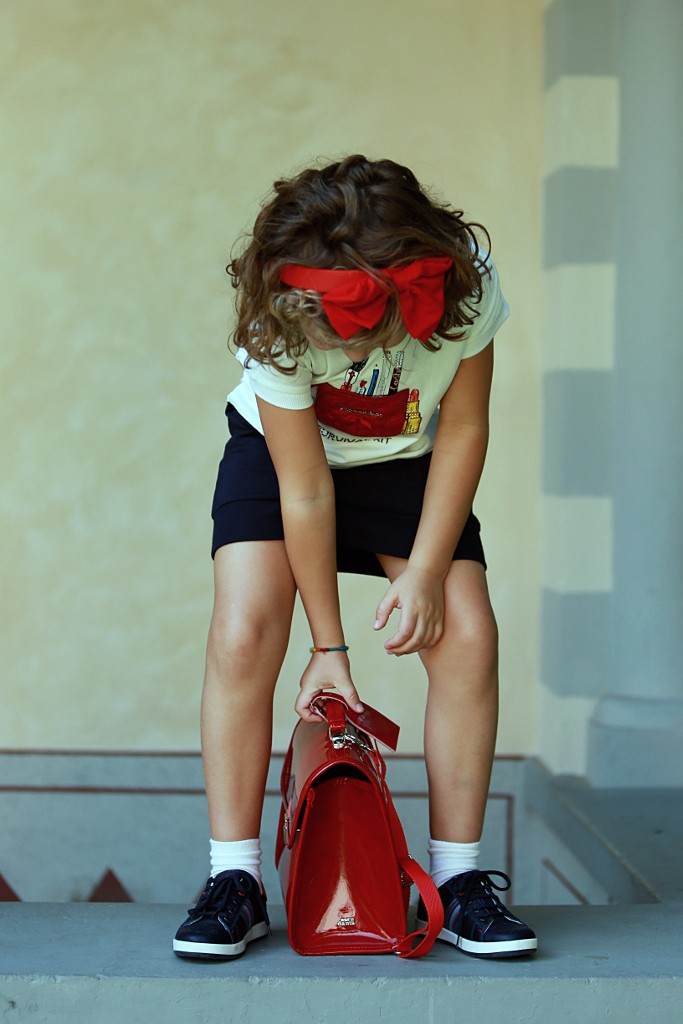Monnalisa back to school 2015 dress with a red bow and a red schoolbag