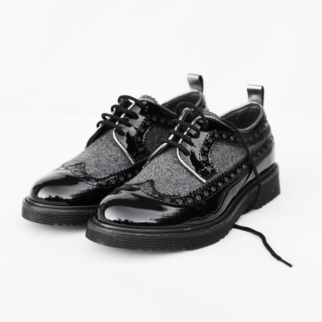 Quis Quis back to school 2015 black lace-up shoes