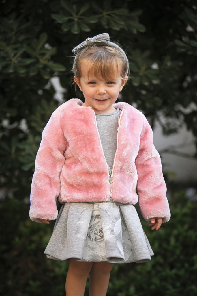 Elsy baby fall winter 2015 pink synthetic fur jacket and grey dress with white flowers