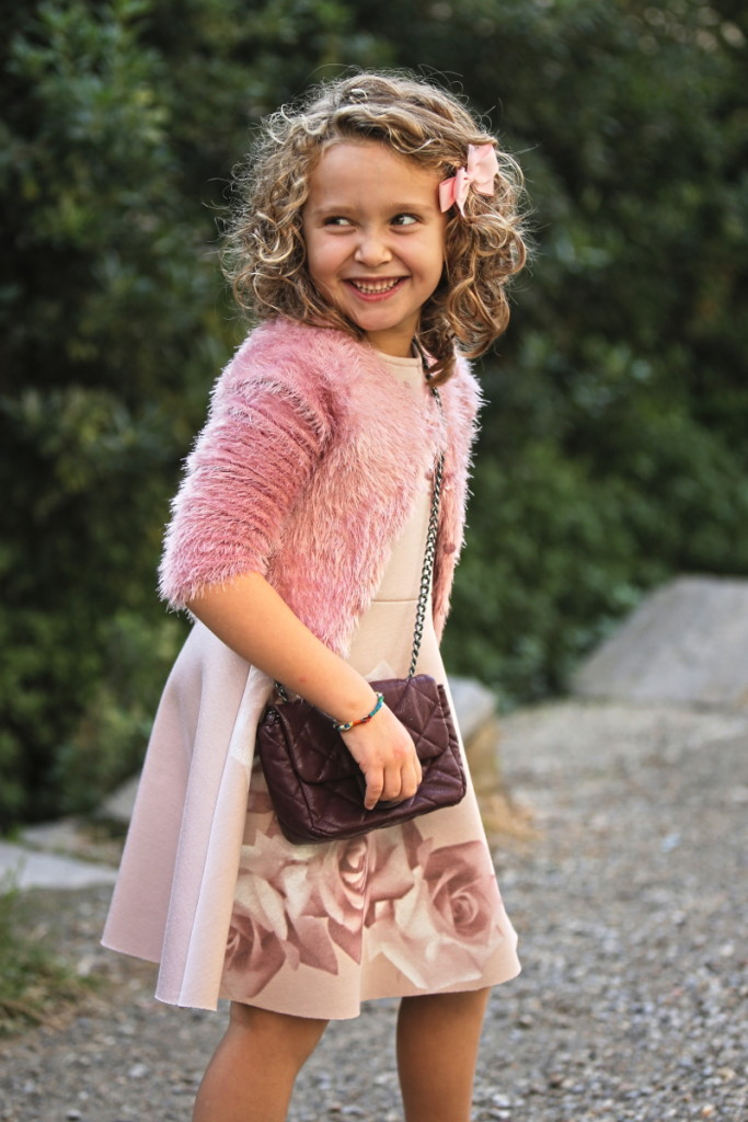 Elsy girl fall winter 2015 pink jacket with fur and pink dress with roses