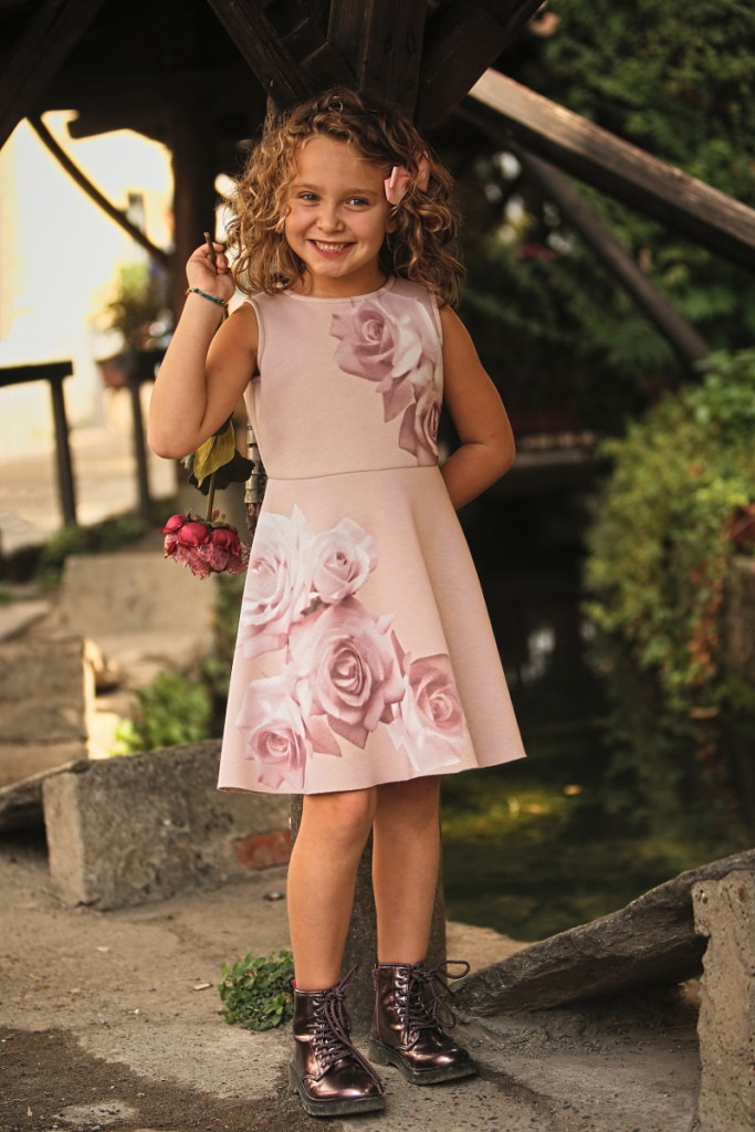 Elsy girl fall winter 2015 dress with pink roses print
