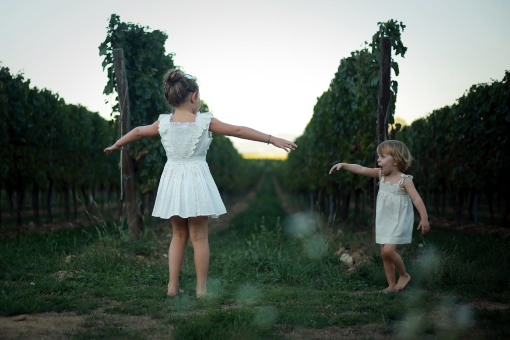 Grape harvest 2015 Anna and Alice playing in the grapeyard