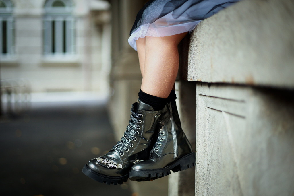 Simonetta back to school 2015 grey boots with stones