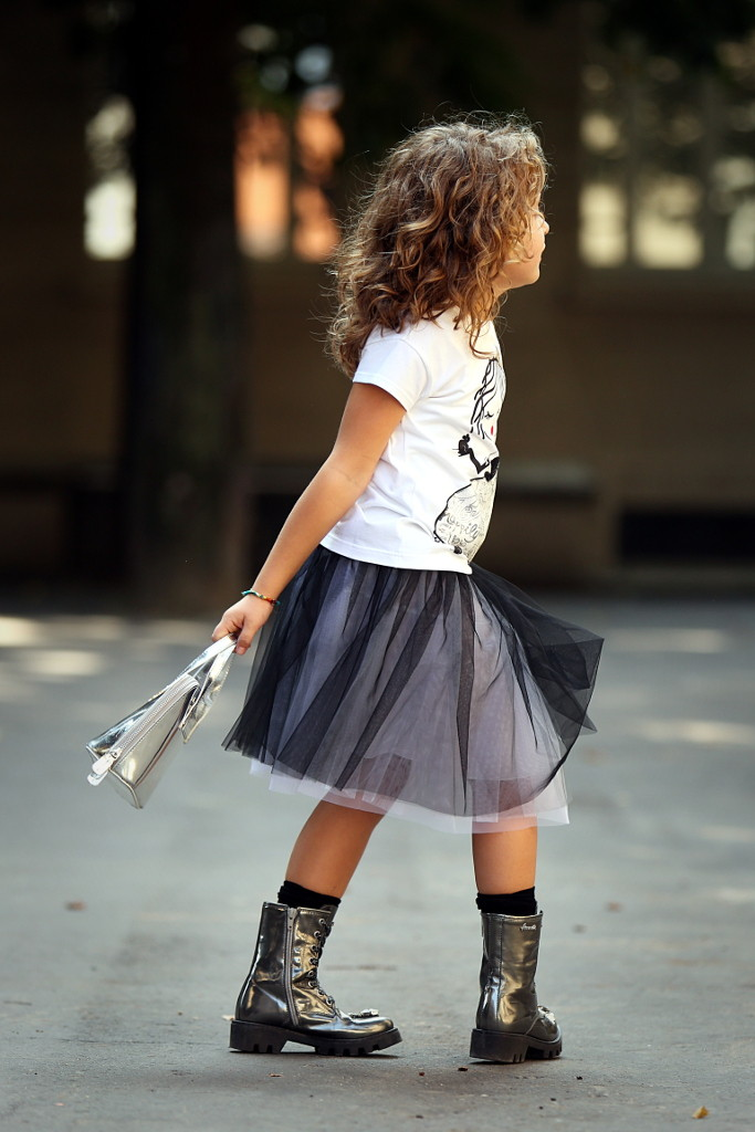 Simonetta back to school 2015 white t-shirt and black tulle skirt