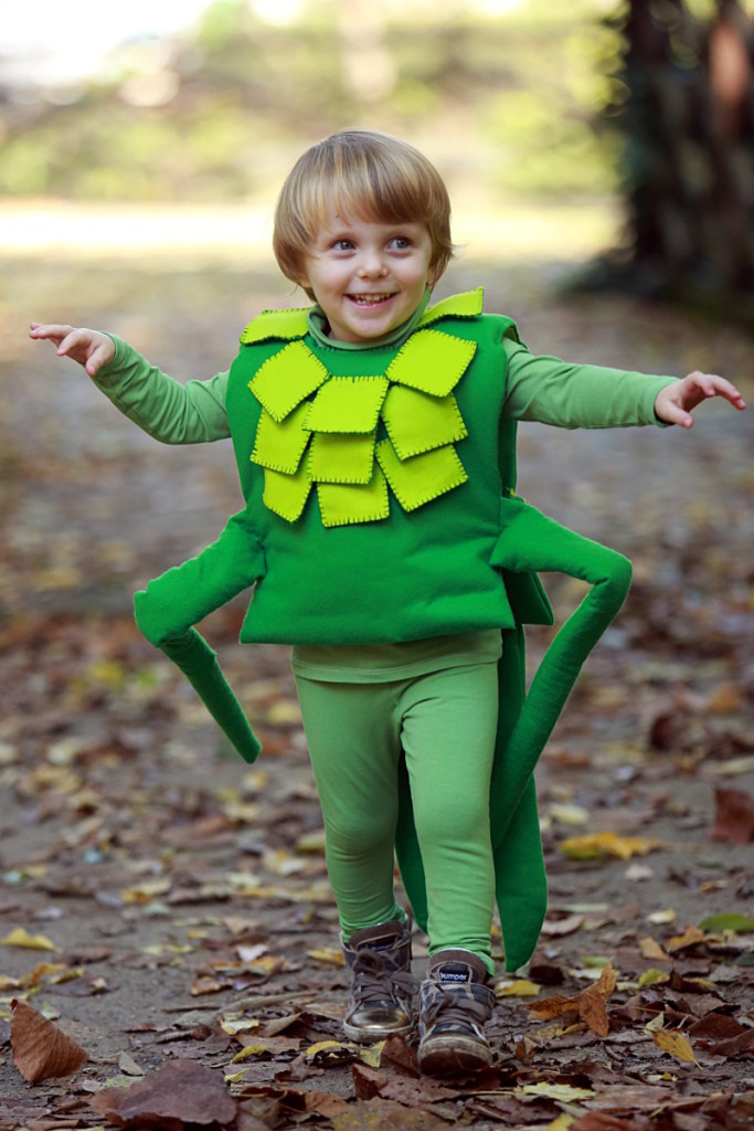 DIY Halloween kids costumes Jiminy cricket