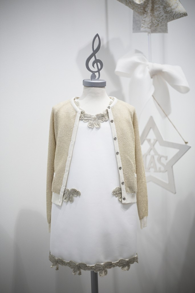 Mimisol winter 2015 white dress with golden trims