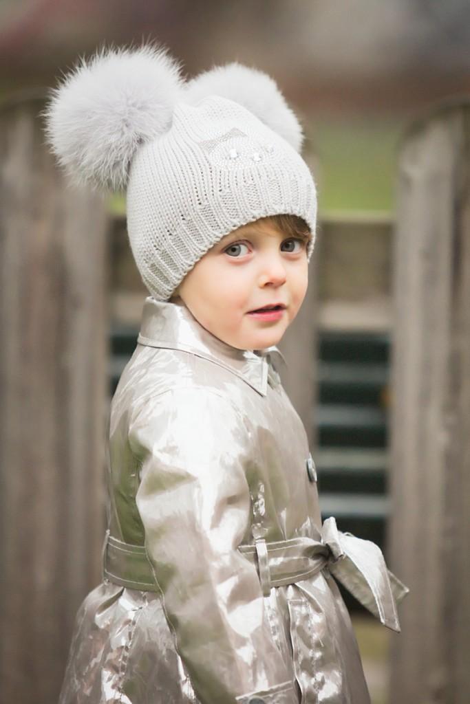 Catya winter 2015 grey hat and Simonetta raincoat