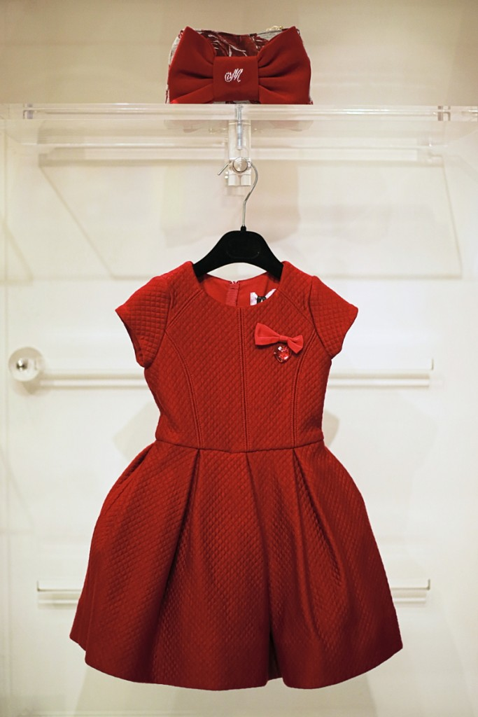 Monnalisa winter 2015 red dress with a bow and a heart on the front