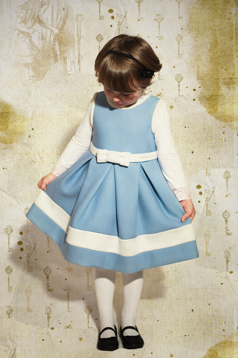 DIY Halloween kids costumes alice and white rabbit