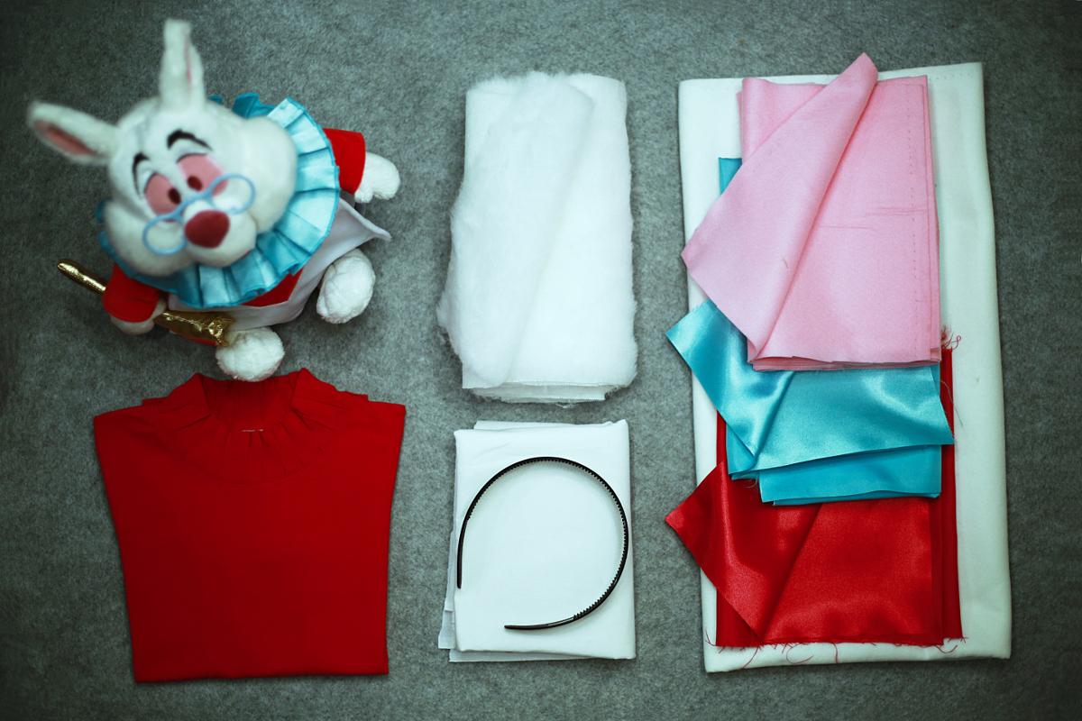 DIY Halloween kids costumes white rabbit