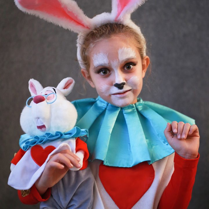 DIY Halloween kids costumes white rabbit