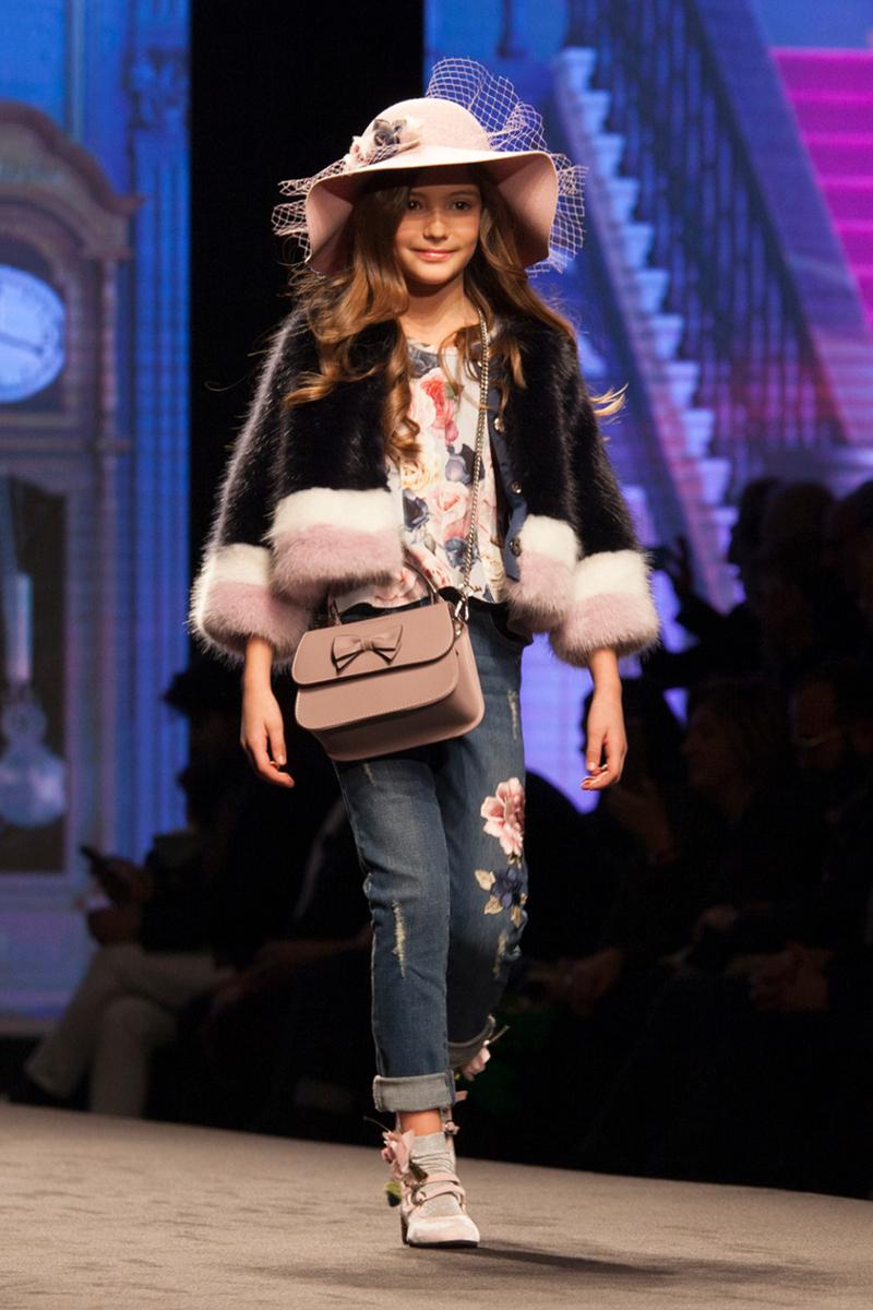 Monnalisa fashion show fall winter 2017