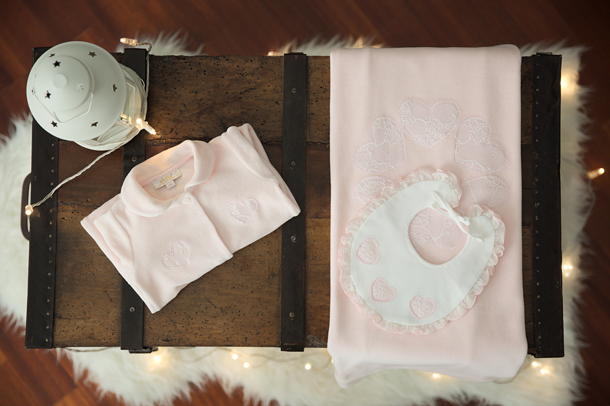 Aletta newborn layette set