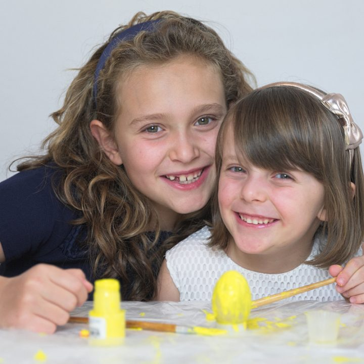 How to Paint Easter Eggs with kids
