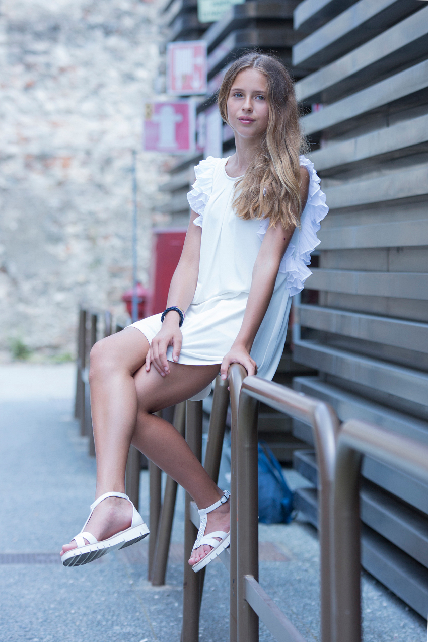 Teens around Pitti Bimbo 87 with Morelli sandals