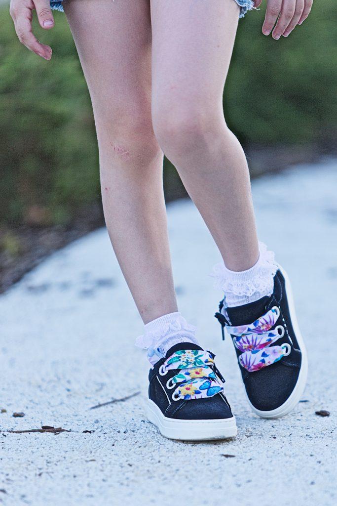 Melania blue sneakers spring summer 2019
