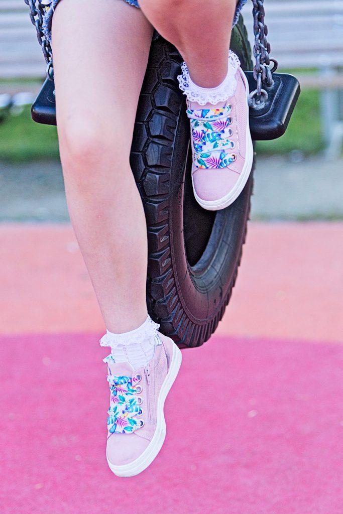 Melania pink sneakers spring summer 2019