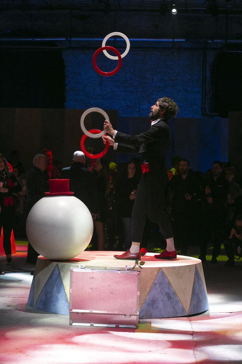 La sfilata di Monnalisa a tema circense