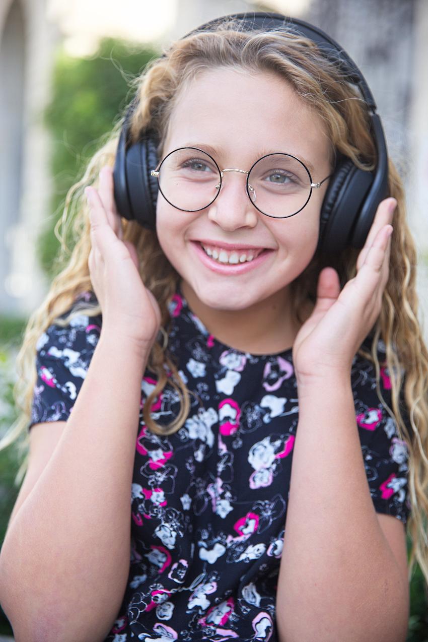 Ritorno a scuola 2020 con Kids Around e il vestitino mini-me nero di Karl Lagerfeld Kids
