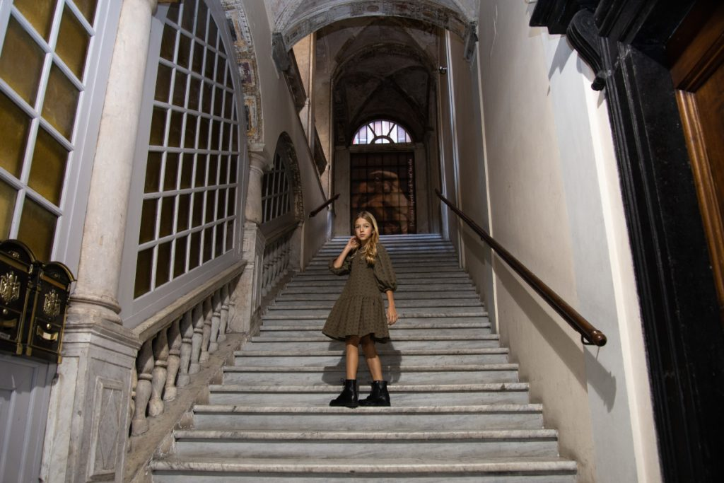Autumn vibes around Genoa and Alitsa SS21 preview in front of San Lorenzo cathedral