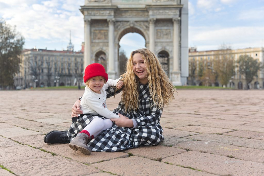 Simonetta at the Arch of Peace