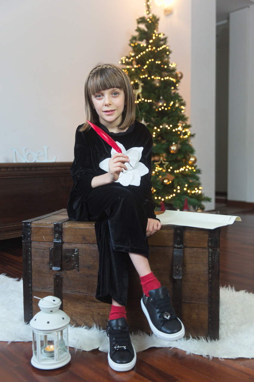 New Year's Resolutions 2021 with Alice in Piccola Ludo black and white outfit