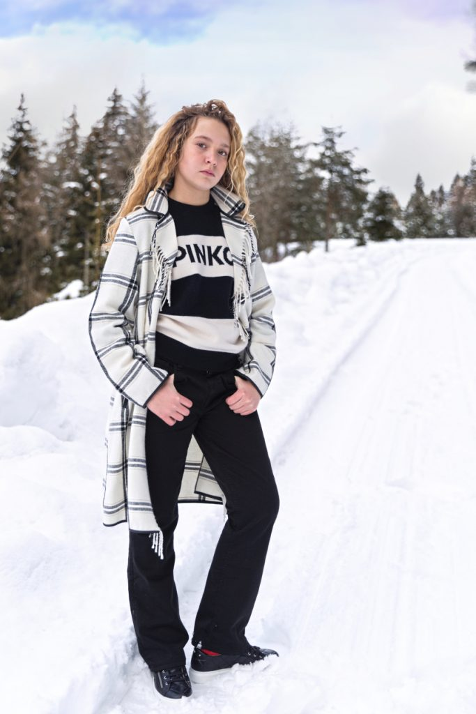 Pinko fall winter 2020/2021 wearing a black and white outfit