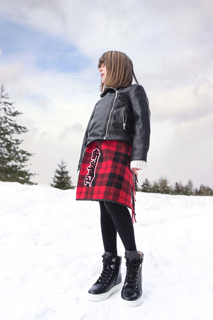 Di nuovo in montagna in Pinko Up 2020/2021 outfit in nero