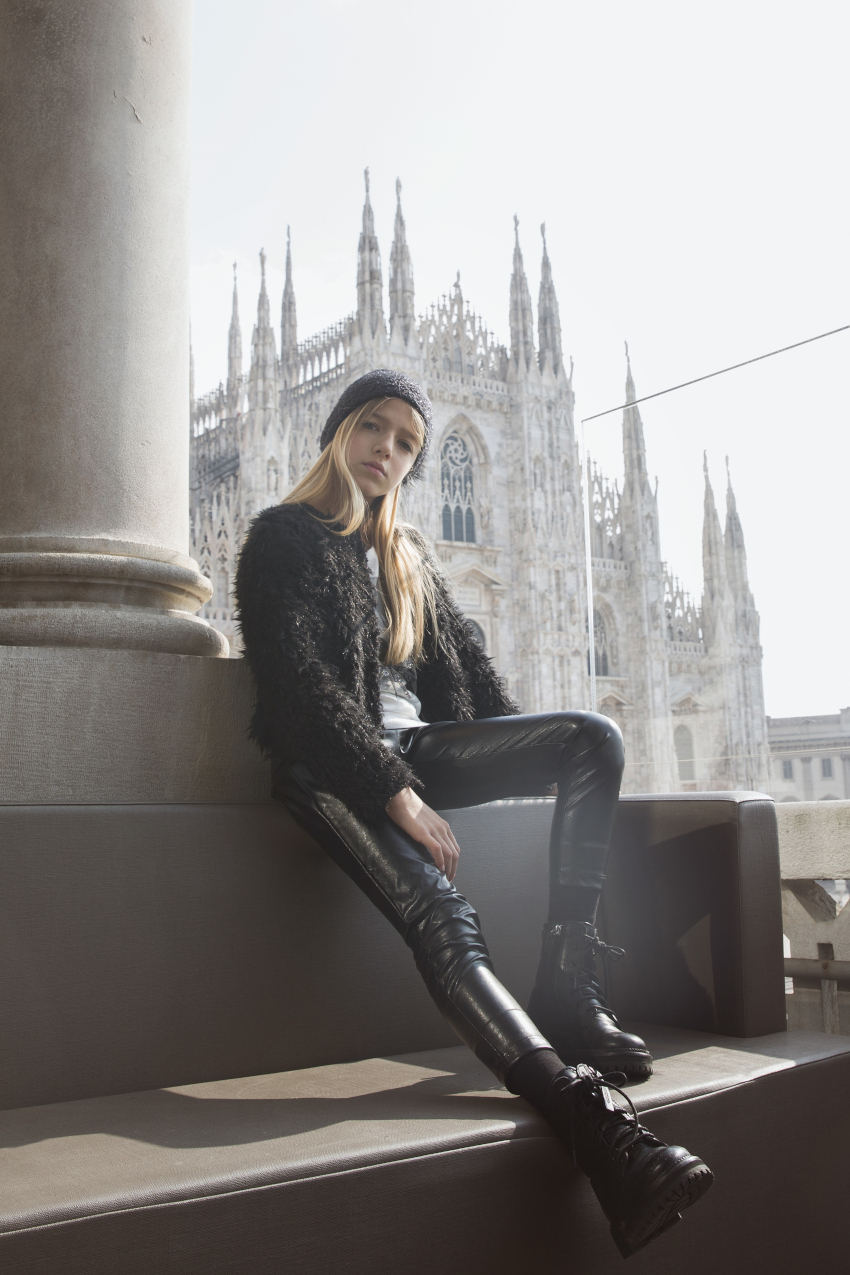Duomo 21 terrace with Costanza in total black from Magil
