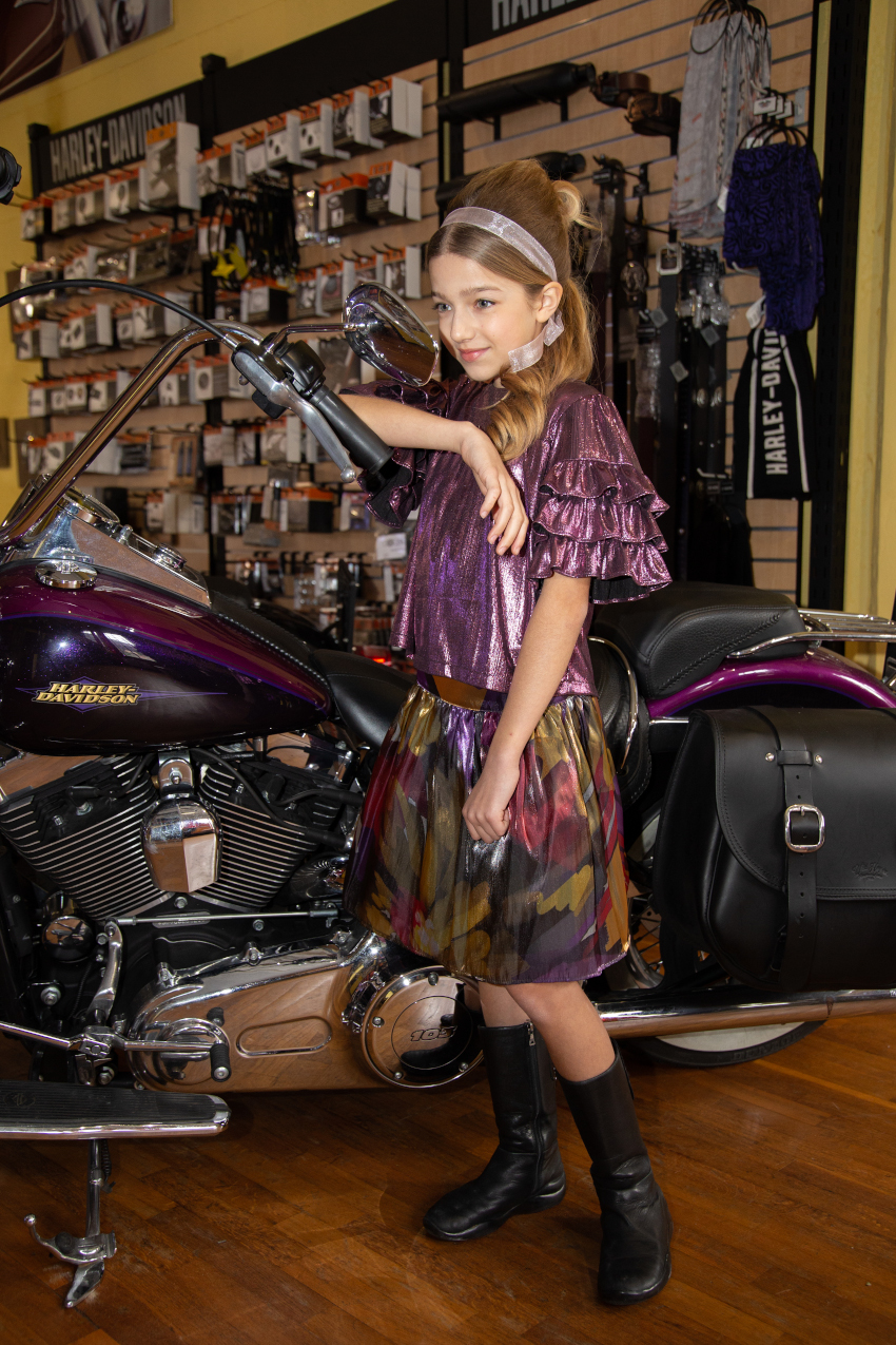 Ride with me in Alitsa Costanza wearing a two pieces sparkling purple blouse