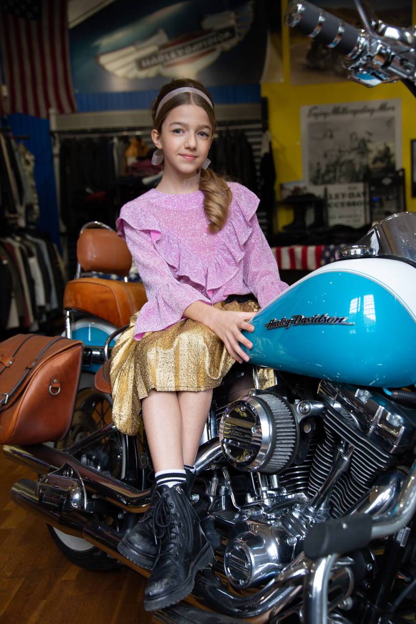 Ride with me in Alitsa Costanza wears a two pieces sparkling purple blouse