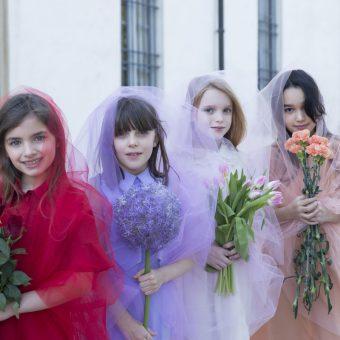 Blossoming Beauty Editoriale Moda Bimbo