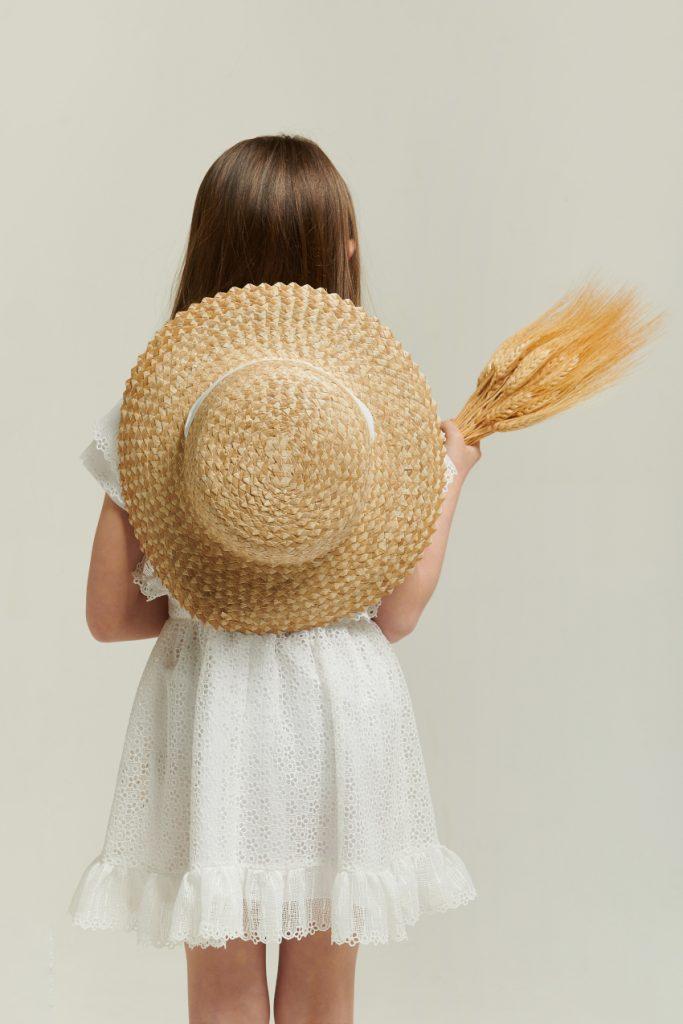 The white story Alice in Philosophy di Lorenzo Serafini Kids spring summer 2021 white dress